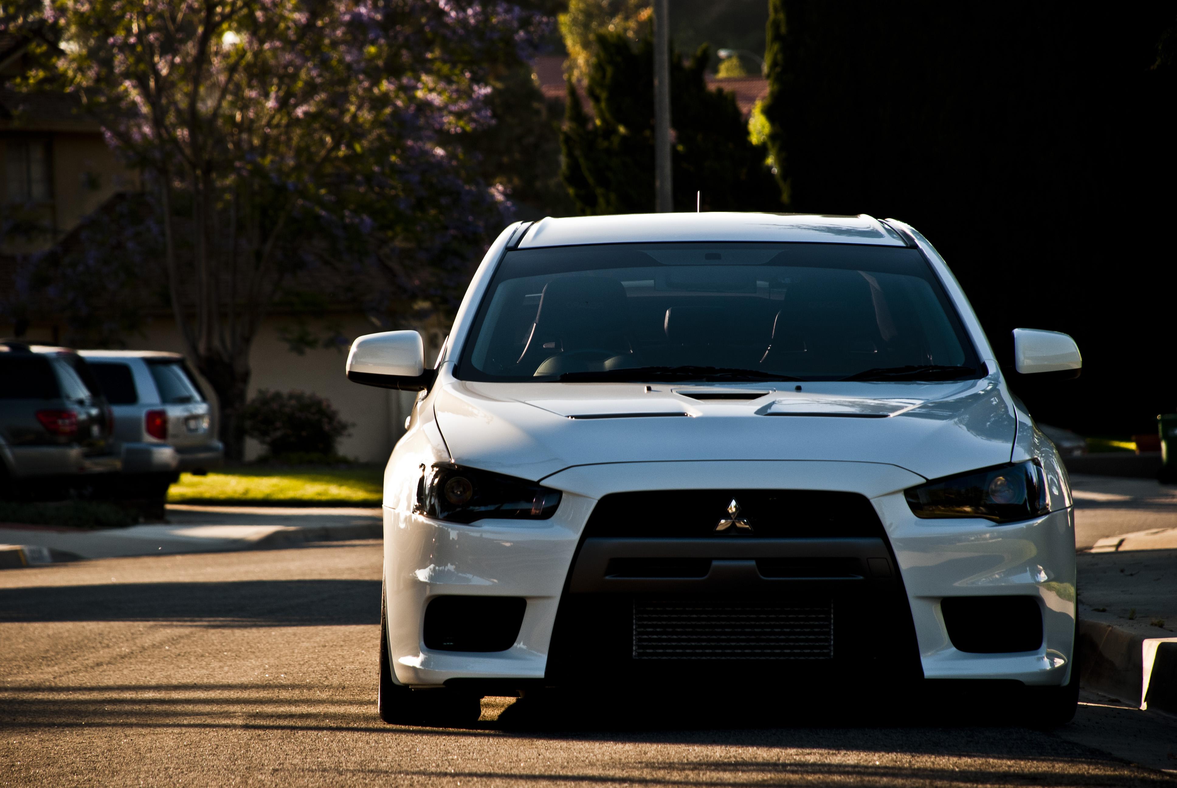report this image - Mitsubishi Evo X Wicked White